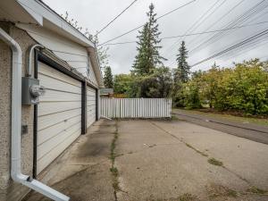 9407 52 Street, Edmonton, AB
