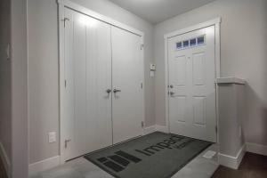 1560 22 st NW, Edmonton, AB