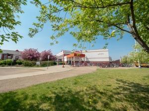 224 Rhatigan Road East, Edmonton, AB