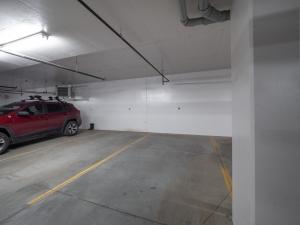 Unit 402, 5029 Edgemont BLVD NW, Edmonton, AB