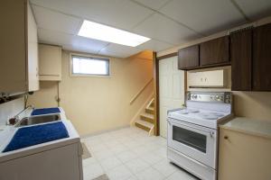 10316 135 Ave NW, Edmonton, AB