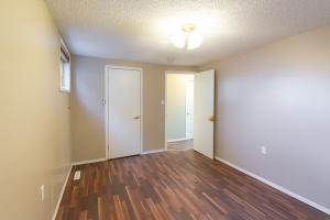 6004 101 Ave, Edmonton, AB