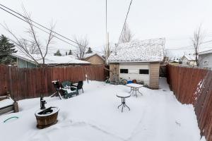 10824 132 Ave NW, Edmonton, AB